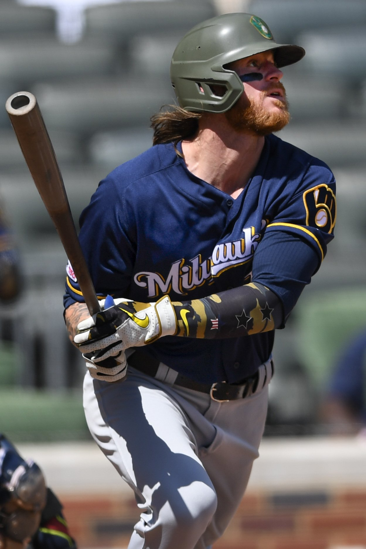 Gamel's 10th-inning homer lifts Brewers over Braves; Yelich, Hiura also hit HRs