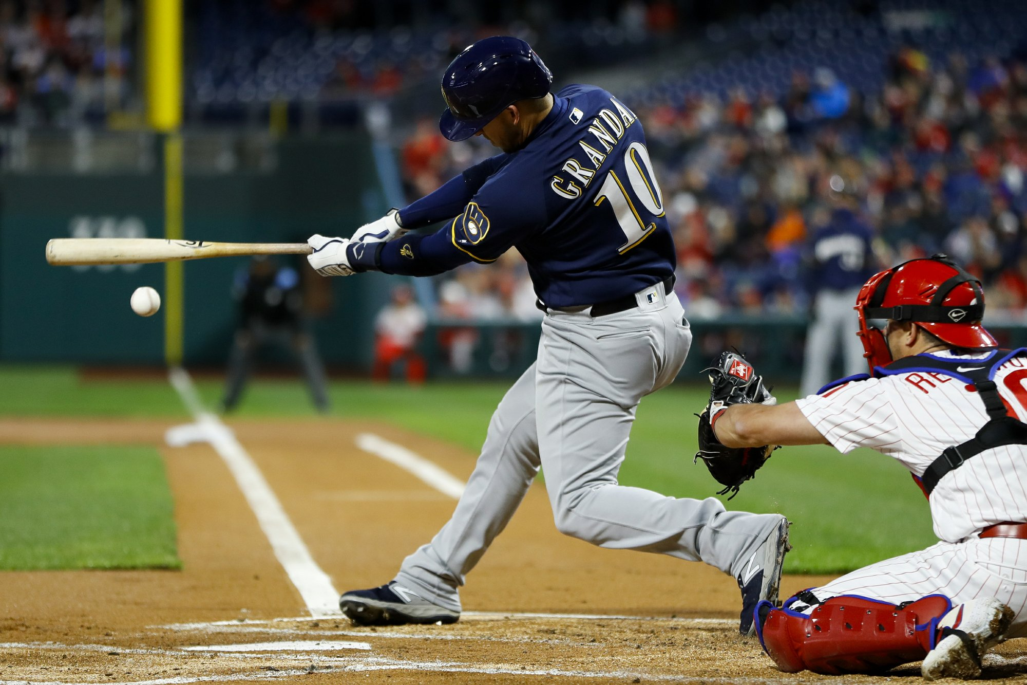Brewers drop third straight, in game featuring 13 pitchers