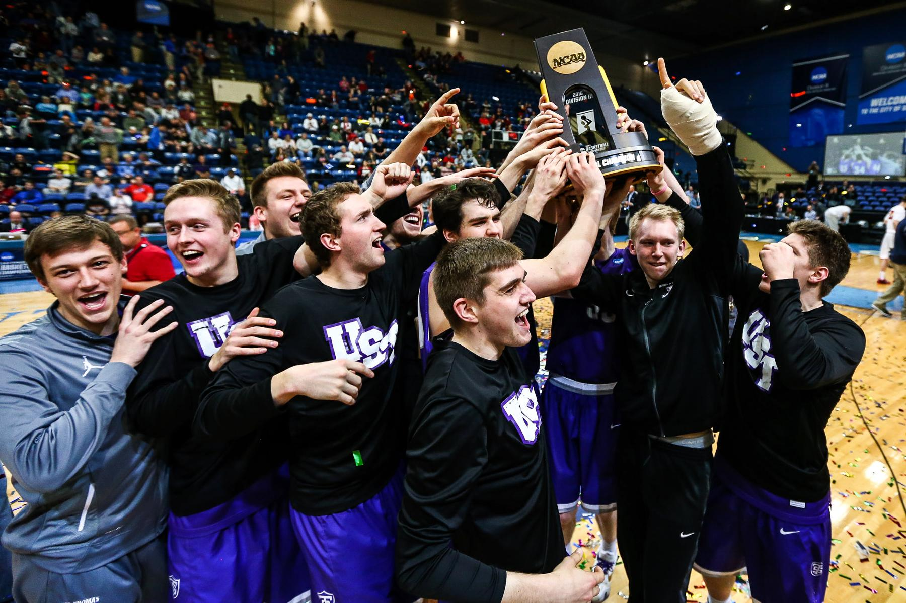 MIAC ousts original member St. Thomas for being too strong