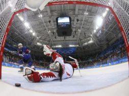 USA hockey Jocelyne Lamoureux-Davidson Canada Shannon Szabados AP
