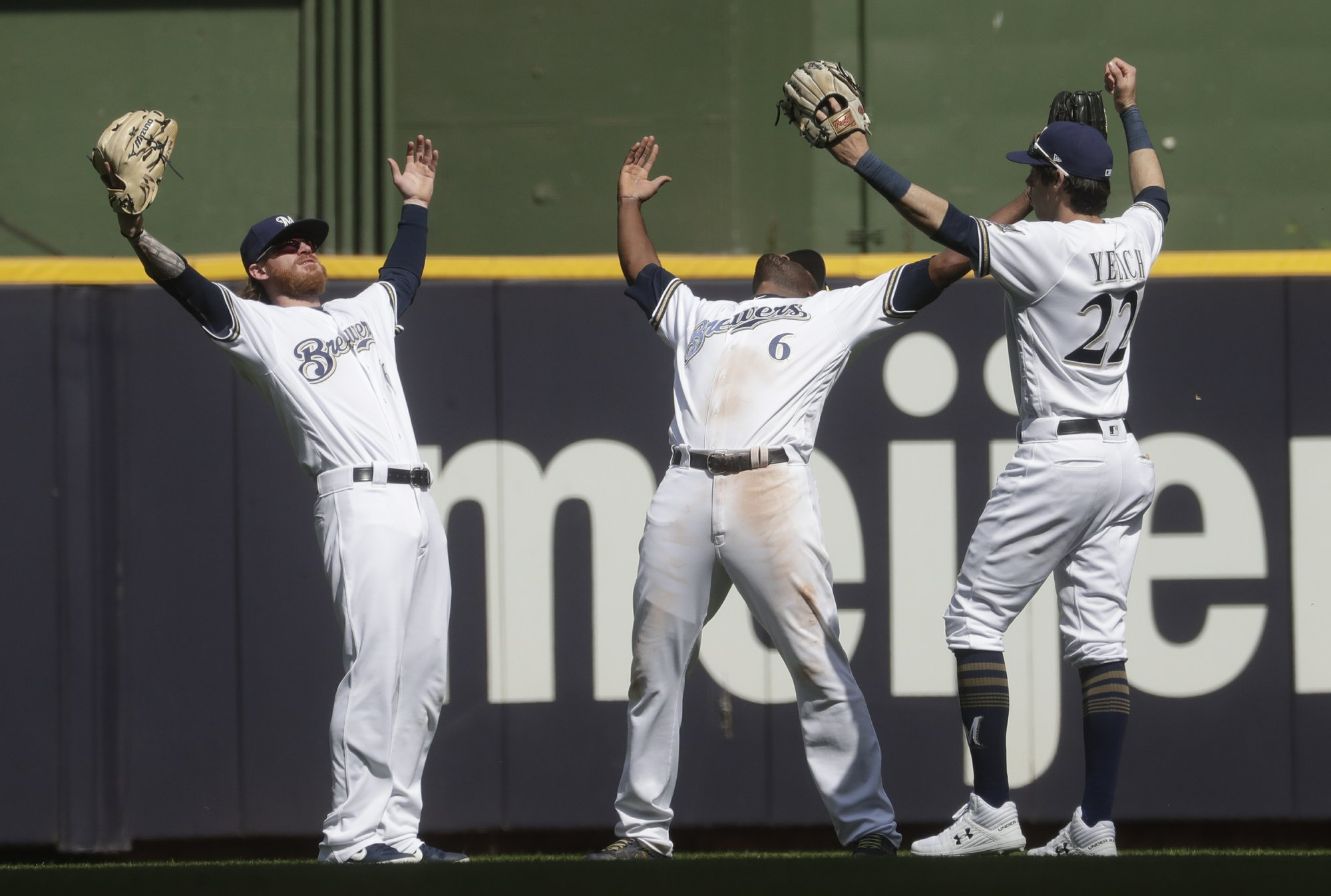 Yelich hits pads MLB-leading HR total, as Brewers finally beat Marlins