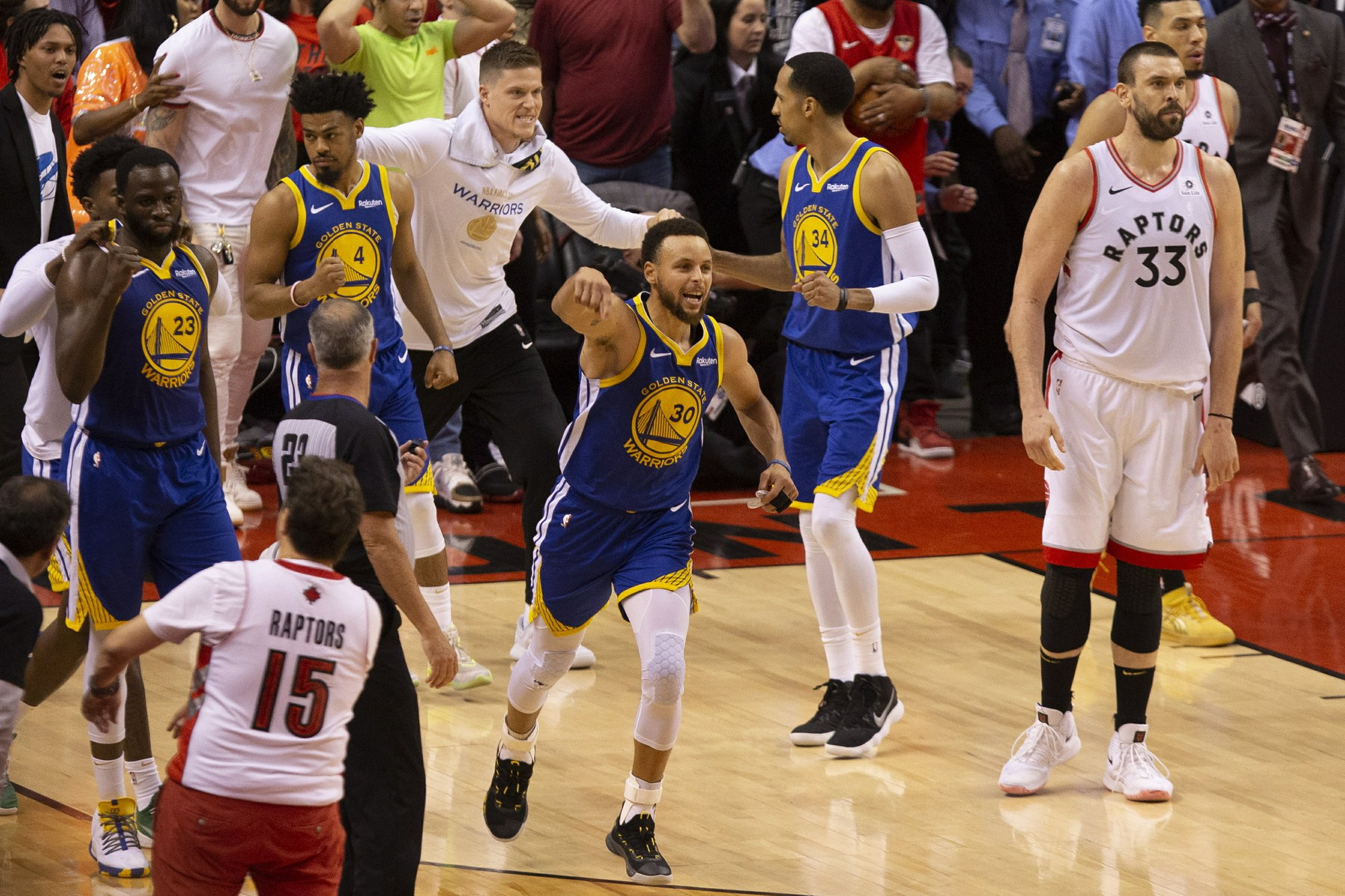 Antetokounmpo and Bucks face Curry and Warriors, seeking 4th straight win