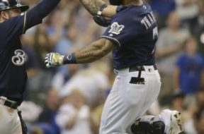 Brewers Thames high five AP
