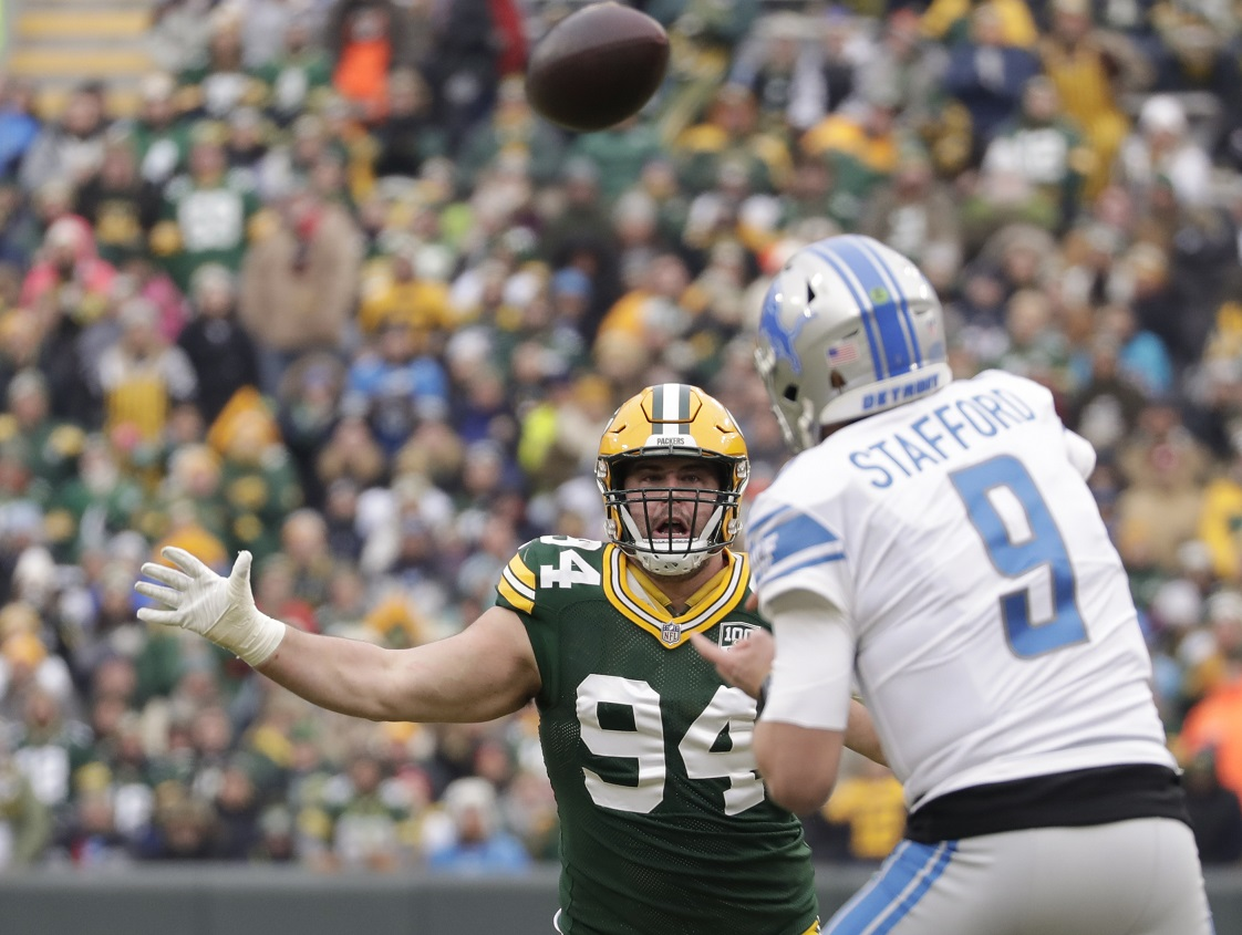 Packers lock up DL Lowry