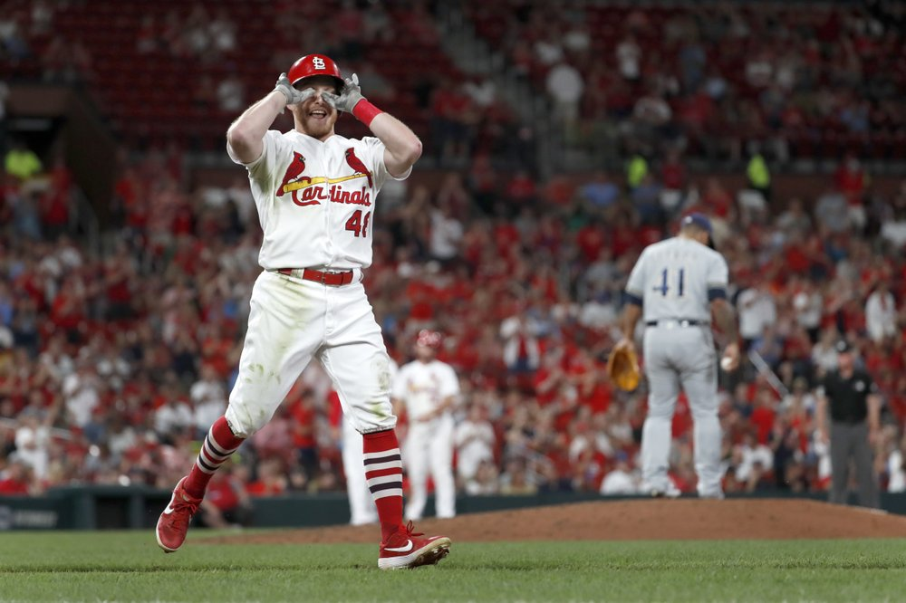 Fowler drives in 4 runs in Cardinals 9-2 win over Brewers