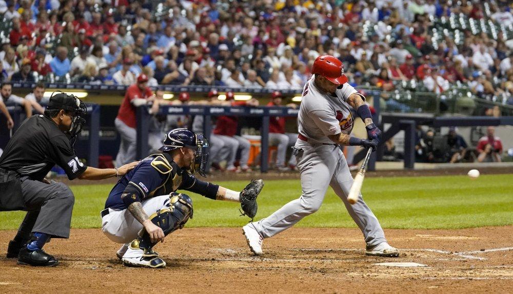 Molina 2 HRs, Cardinals top Brewers for sixth consecutive win