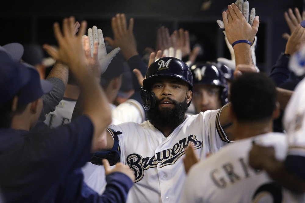 Brewers top Houston 4-2; Greinke loses 1st with Astros