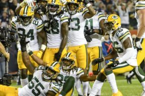 Packers team pic win AP