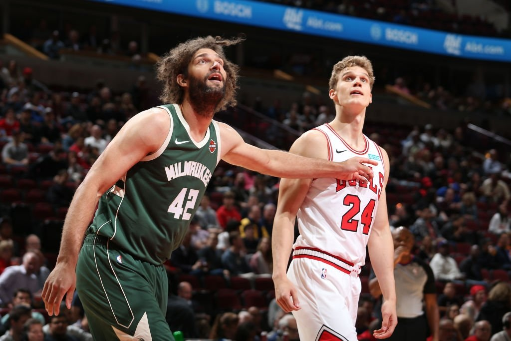 Lopez brothers lead way in Bucks preseason opener