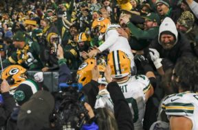 Packers Mason Crosby jump stands AP