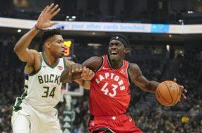 Bucks Giannis v Raptors Siakam AP