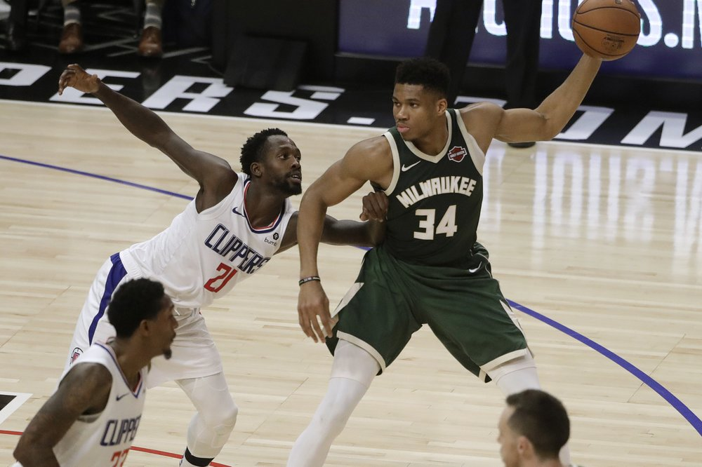 Bucks, Giannis heading into unique territory as they close in on '71 champs for consecutive wins