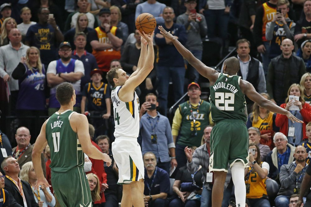 WATCH: Bogdanovic hits 3 at buzzer, Jazz beat Bucks 103-100