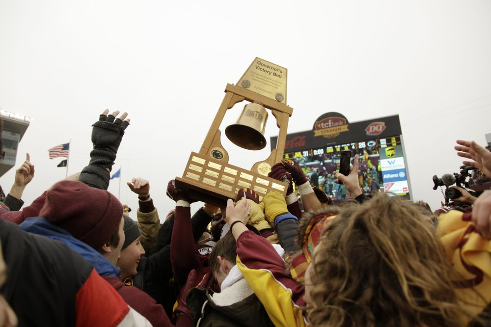In Minnesota, everyone's aboard the Gophers boat