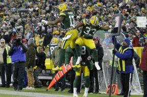 Packers Aaron Jones Davante Adams TD AP