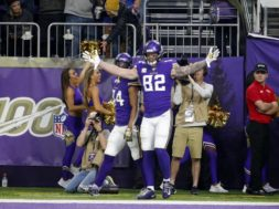 Vikings Kyle Rudolph v Broncos AP