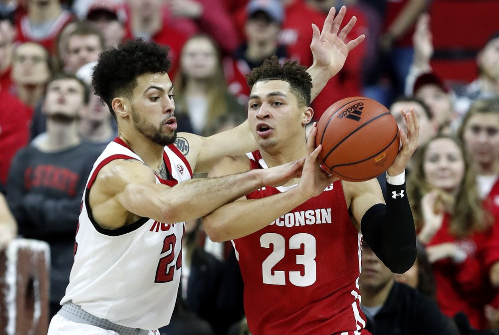 Badgers still cold, losing third consecutive game