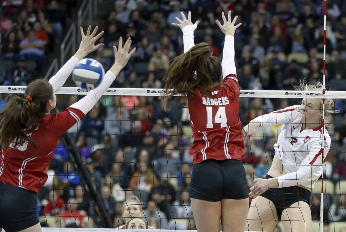 Stanford sweeps Badgers, winning second consecutive National Championship