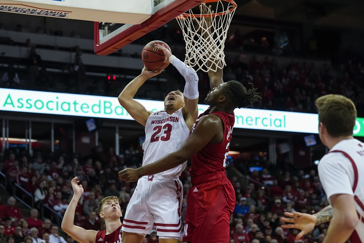 Badgers set school record for 3s, while La Crosse's Kobe King has career-high assists