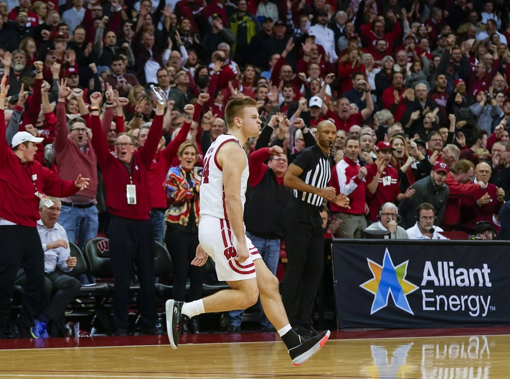 Davison's 3 with 11 seconds left sends Wisconsin past No. 17 Maryland