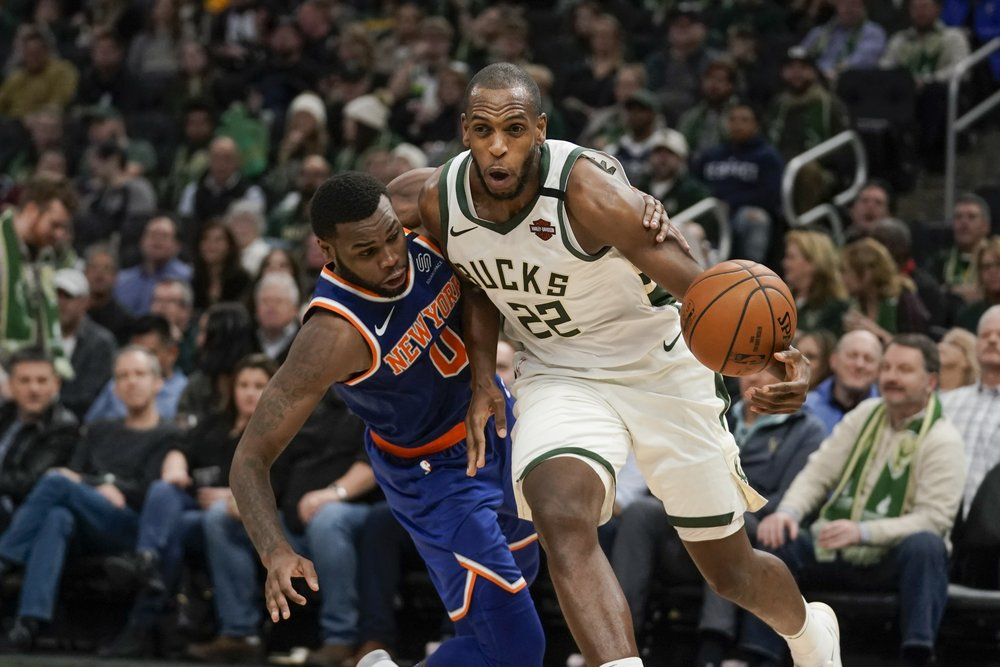 Bucks cruise past Knicks behind Antetokounmpo's 37 points