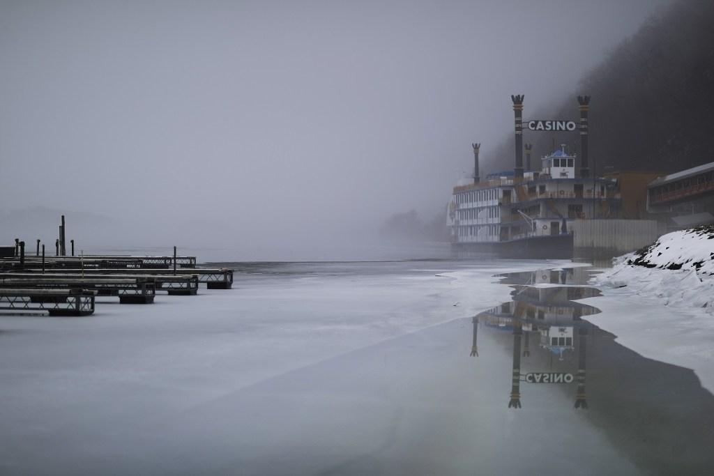 January warm spell causes danger for ice fishermen