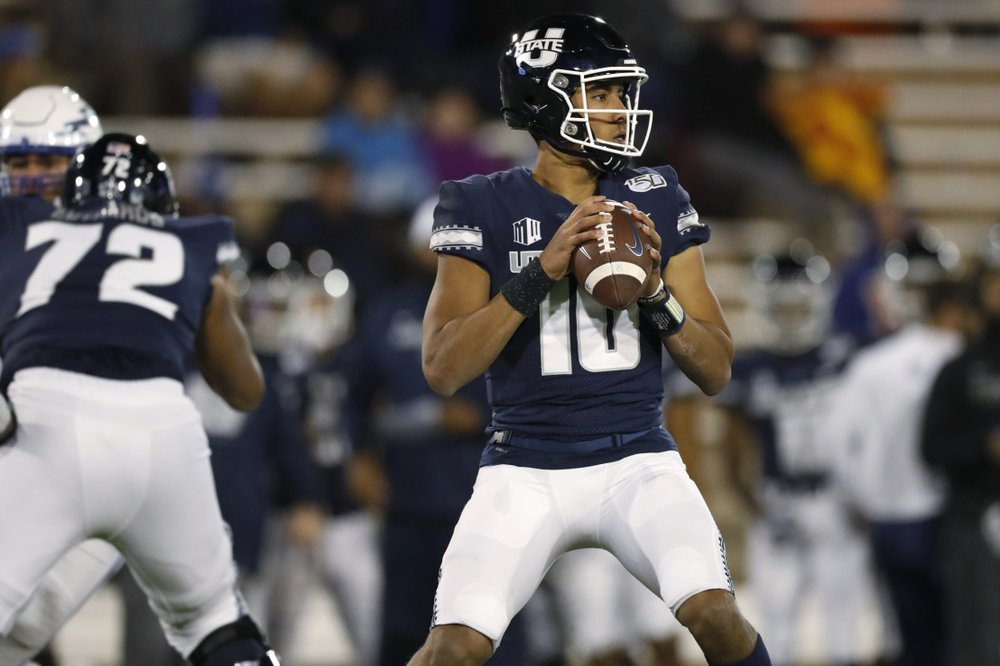 Packers move up in draft to take Utah State QB Jordan Love
