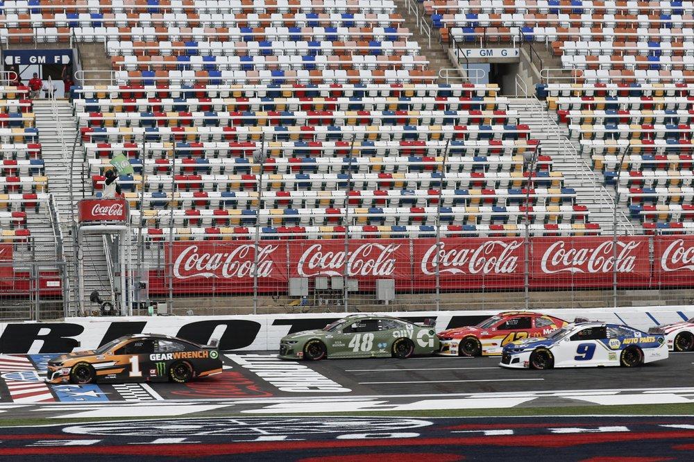 Hamlin crew members suspended 4 races over tungsten drop
