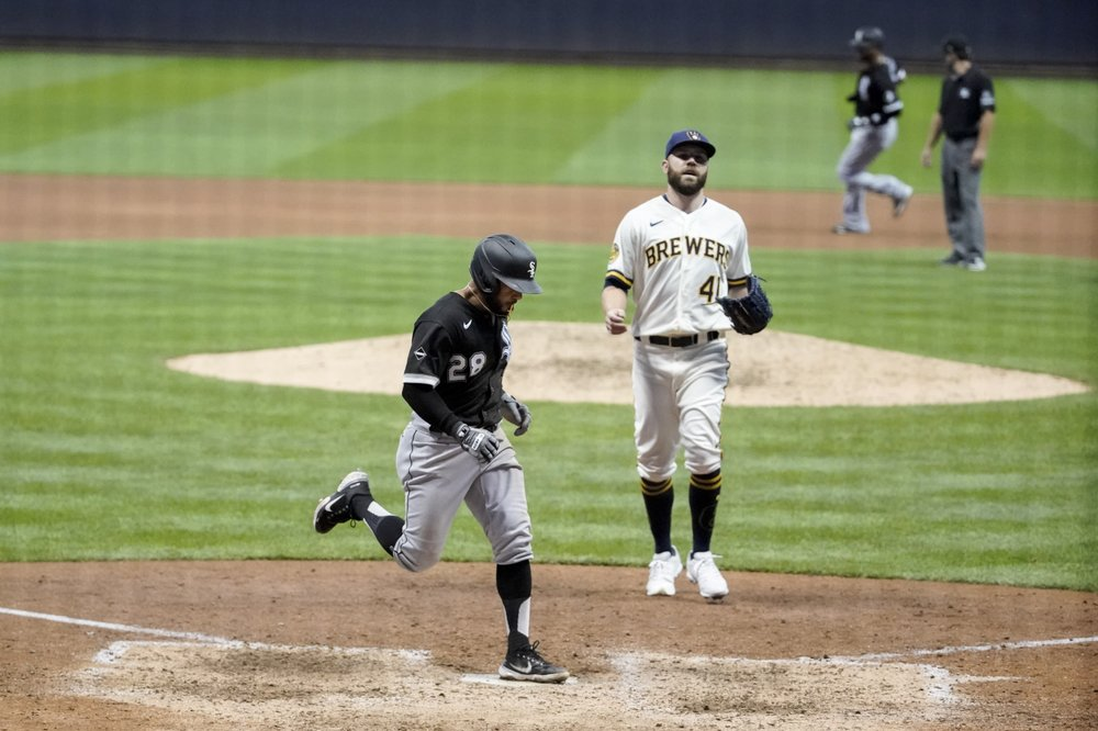 Abreu, Moncada HR; White Sox spoil Brewers home opener, 6-4