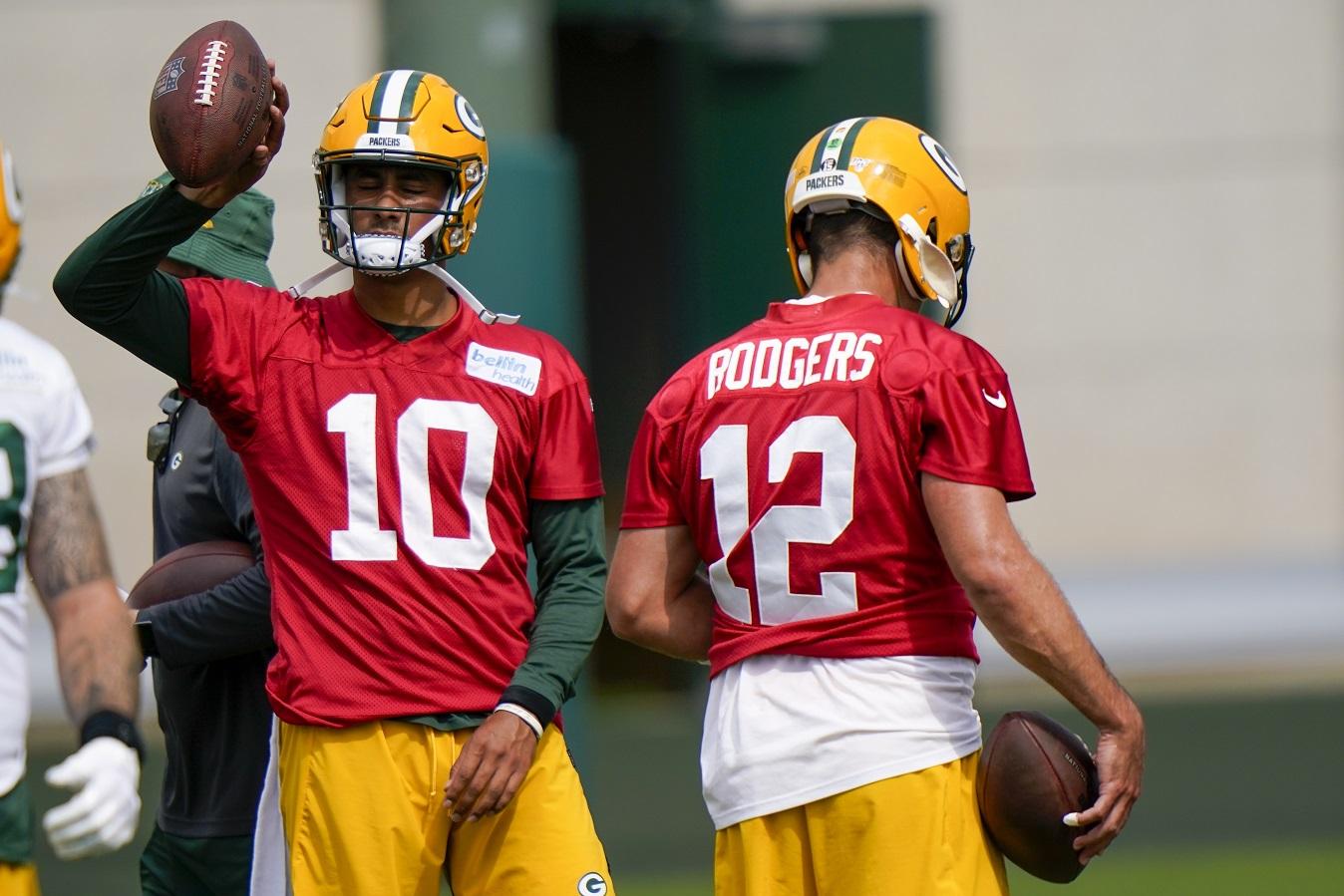 QB Rodgers' uncertain status dominates Packers' camp