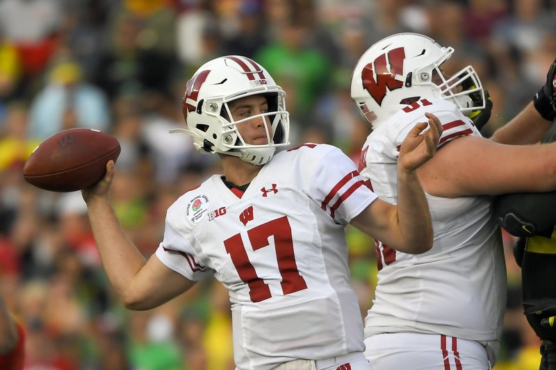 Notre Dame's two-headed spring QB race features Pyne and former Badger Coan