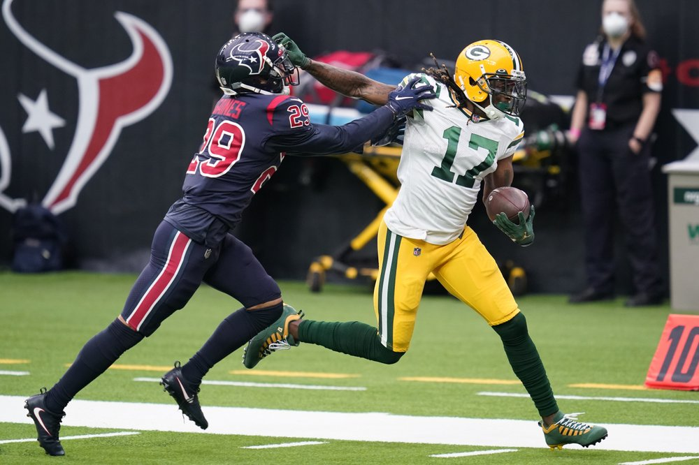 Packers put opening loss behind them as they host Lions