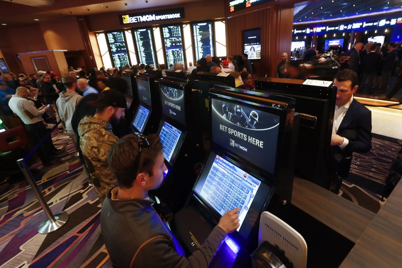Bill to legalize sports betting heads to Arizona governor