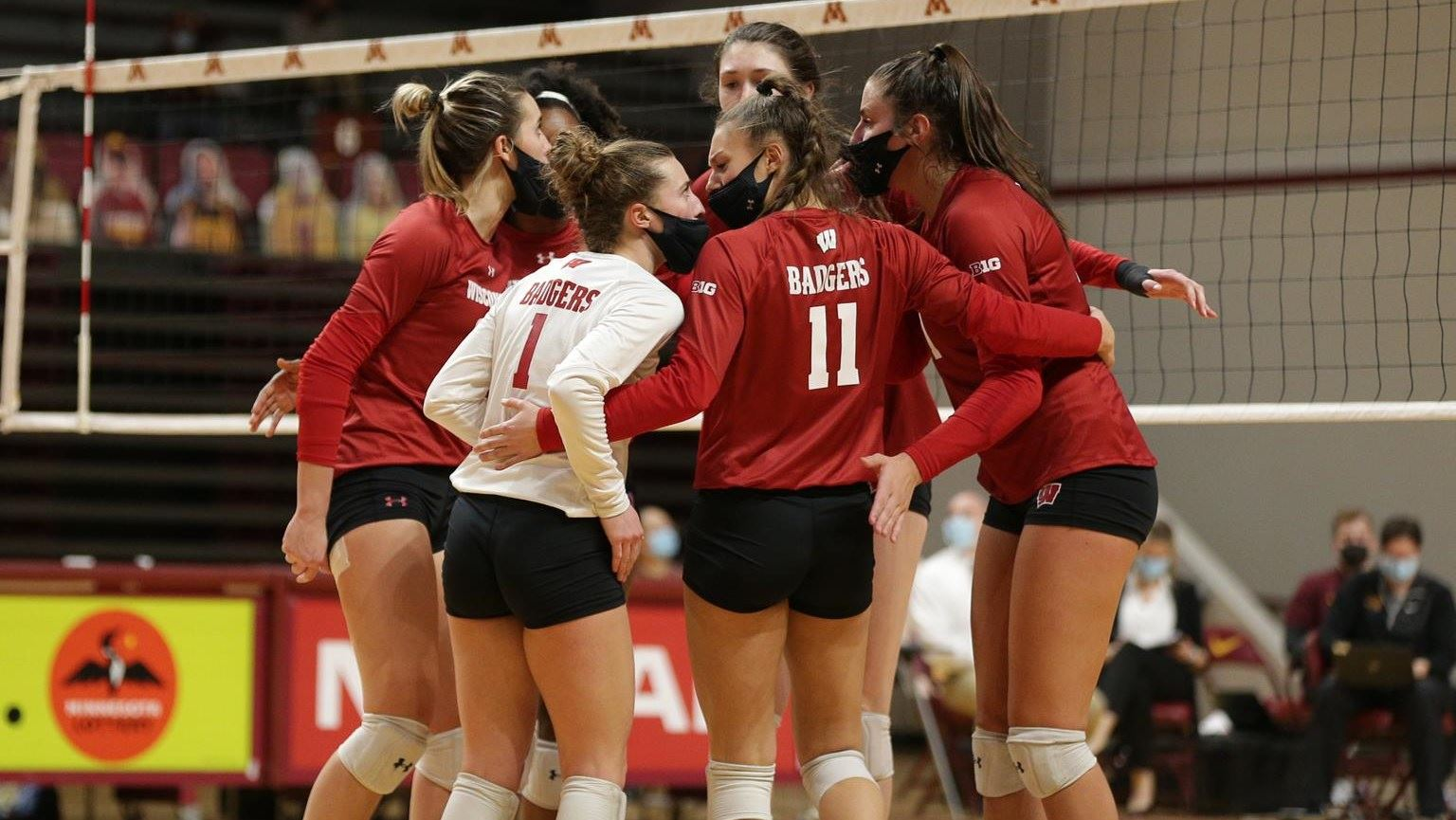 #1 Wisconsin Women's Volleyball team loses to #4 Texas in Final Four