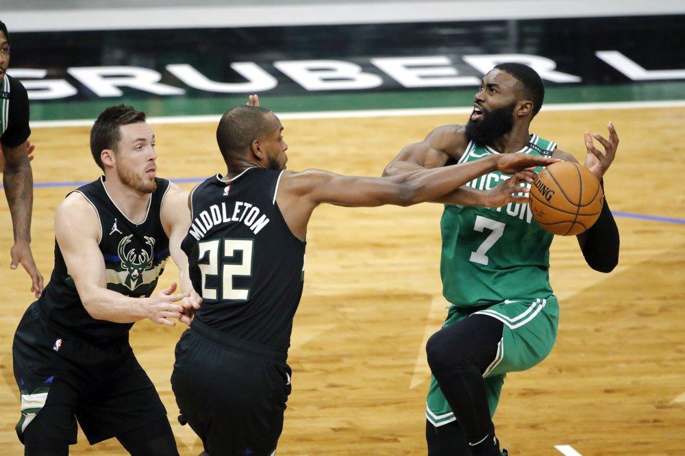Tatum, Smart help Celtics end Bucks' winning streak