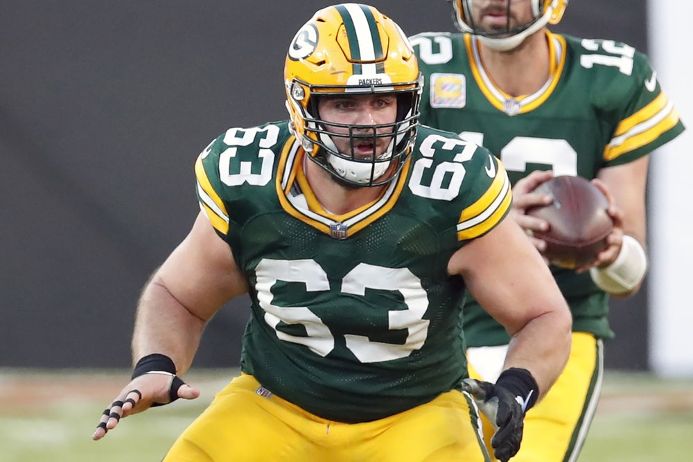 AP source: Chargers reach deal with Linsley, retain Davis