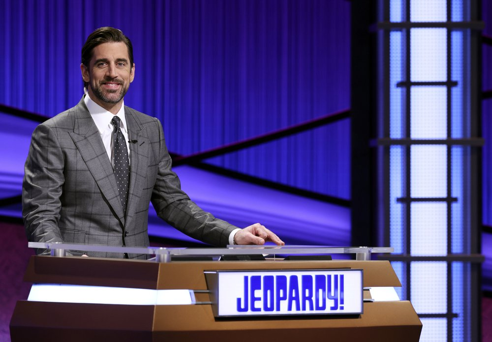 Rodgers gets surprise during 'Jeopardy!' hosting stint