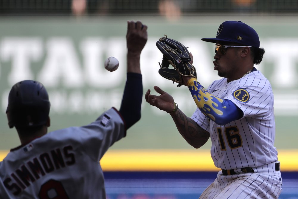 Sanó, Twins beat Brewers 8-2 to win season-opening series