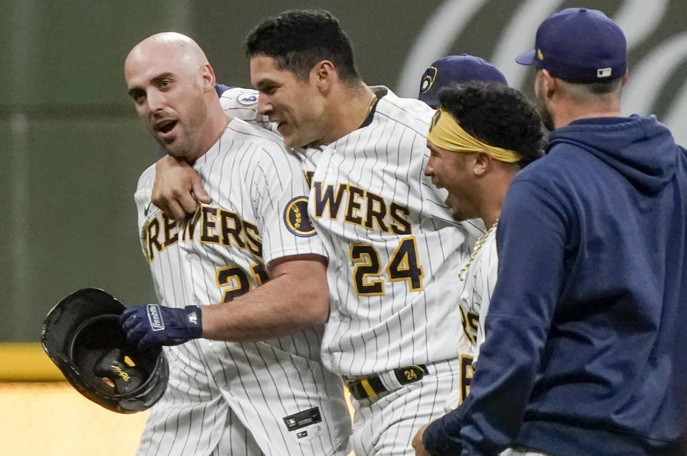 Shaw sends Brewers to 6-5 win over Dodgers in 11 innings