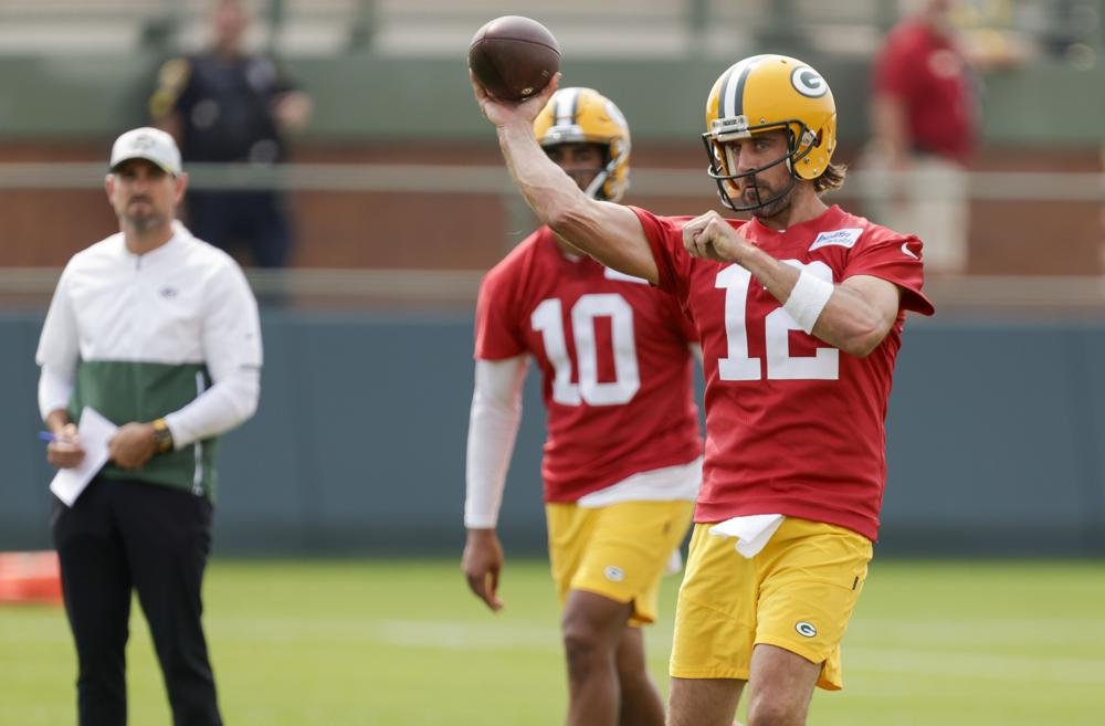 WATCH: Rodgers works out with Packers, then details his concerns