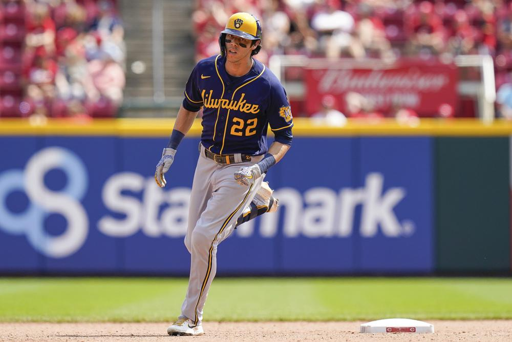 Brewers' Yelich on COVID-19 list after positive test