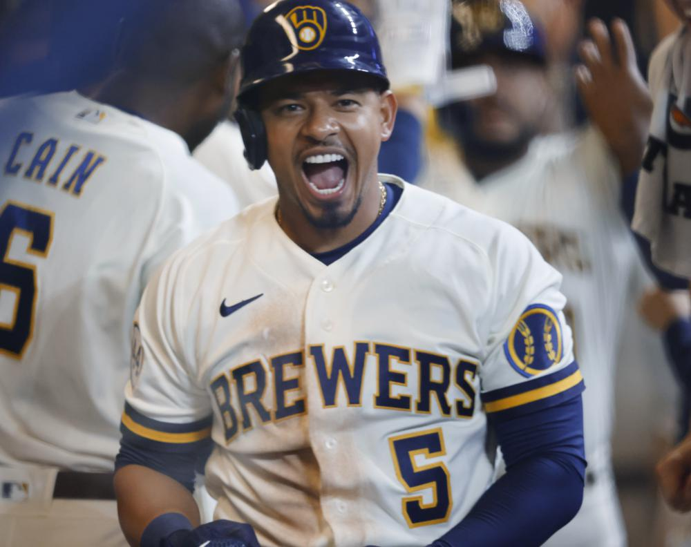 Escobar homers, triples as Brewers defeat Pirates 6-2